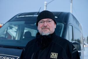 – Jag hade en kund i Lofsdalen som sökte en ny leverantör och det utvecklades till det här, säger Stefan Ericsson som startar ambulerande bygghandel i Lofsdalen två dagar i veckan.