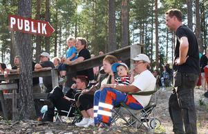 Hedparkenfestivalen har sedan starten 2005 utvecklat sig till en riktig folkfest, och är ett nöje för såväl gammal som ung.