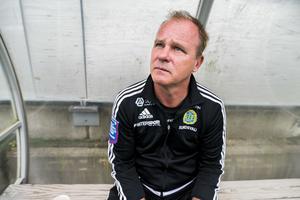 Roger Franzén var inte nöjd med försvarsspelet efter matchen mot IFK Göteborg.