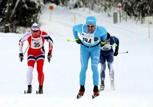 Det blev en tuff spurtstrid i herrklassen i Haldo Hanssons Minne i vintras. Italienaren Nikola Morandini satte till slut skidorna först över mållinjen i herrklassen. I damklassen var Evelina Bångman en överlägsen vinnare.Arkivbild: Jonas Solberger