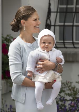 Sex av tio svenskar vill se kronprinsessan Victoria på tronen redan nu. Foto Scanpix