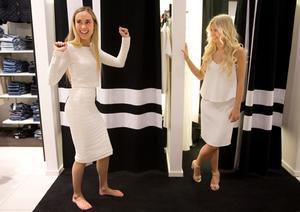 Yes! Topp och kjol i stretch från Guts sitter som gjutna på Saga. Top 899 kr, kjol 899 kr. Cecilia i en ännu en variant av volangklänning, 1699 kr.