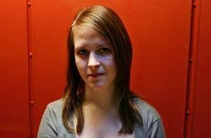 """Agnes Pettersson, 16 år.– Boken och filmen """"Linas kvällsbok"""", av Emma Hamberg, känner man lätt igen sig i. Den handlar om fylla, killar och meningen med livet."""
