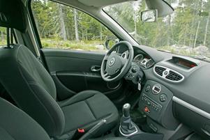 Invändigt känns Clio trevlig trots att en del detaljer brister i kvaliteten.