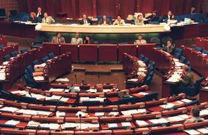 Jens Nilsson och Gunnar Sandberg kräver att EU inför ett socialt protokoll i EU:s grundlag som skydd för de fackliga fri- och rättigheterna.