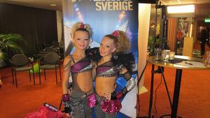 I kvällens Talang tävlar Linn Skoglund och Ellen Anvemyr från Västerås om en plats i finalen.