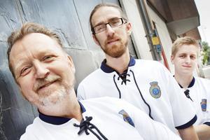 De siktar på att vinna SM i popkunskap. Från vänster Peter Alzén, Viktor Zeidner och Robin Karlsson.