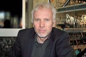 Lars Kallsäby ( C ), ordförande i byggnadsnämnden, vill inte fortsätta med hög förtätning i framtiden.
