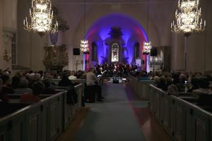 250 personer hade fyllt Säbrå Kyrka för att beskåda premiären.