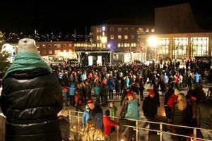 Det var tusentals människor på Stortorget i Östersund när Idolturnén kom på besök.