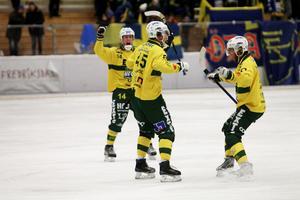 Mattias Sand (till vänster) är en av spelarna som Ljusdal får klara sig utan i vinter.