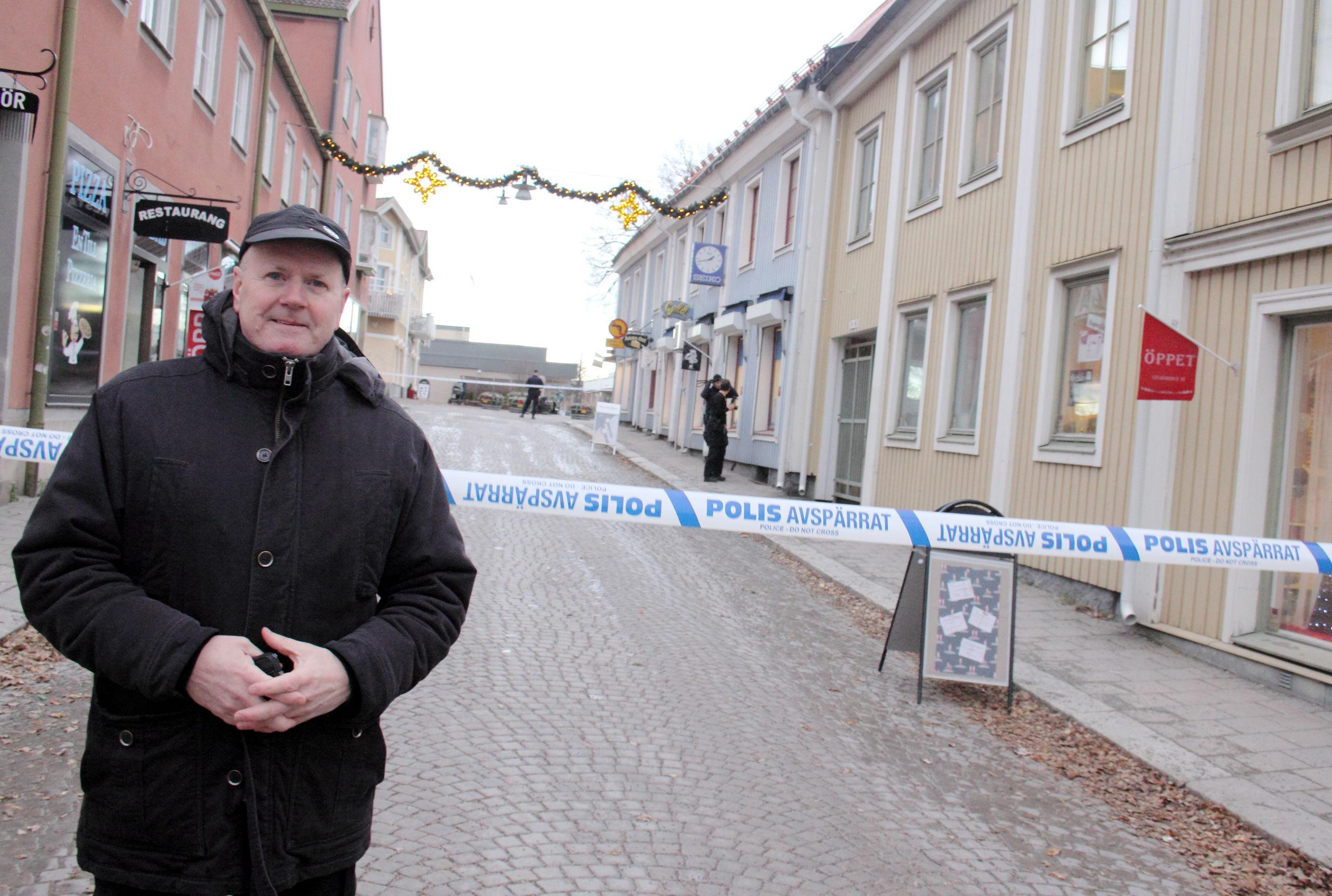 Dramatiskt ran mot guldbutik i centrala stockholm