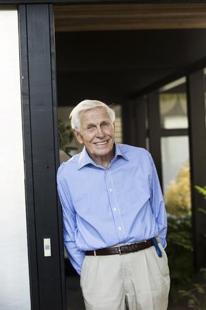 90-åringen Jack Hanson trivs lika bra i sin villa nu som för nästan 60 år sedan.