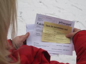 """Rädd. """"Jag vill varna andra"""", säger Eva, som fick en bluffaktura på 399 kronor efter att ha gjort ett personlighetstest på nätet.  Eva heter egentligen något annat."""