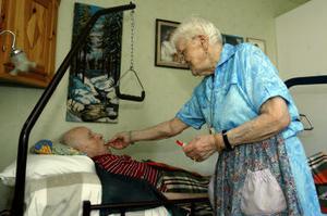 Ingrid och Sixten Sjödin får hjälp med allt de önskar.
