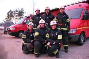 Los räddningsvärn är jämställt. Kvinnorna främst är Karina Wexell, Linda Broberg och Ylva Eriklinds. Männen är Torbjörn Wexell, Jörgen Hedlund och Lasse Myrlund. Saknas på bilden gör Christina Vestling Granqvist och Örjan Karlsson.