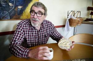 Kjell Kampe väcker många tankar om språk och kultur.