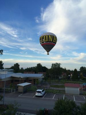 Den här ballongen sågs landa vid Hökåsengropen.