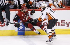 Ekman-Larsson får ställa sig upp – det tycker åtminstone NHL.