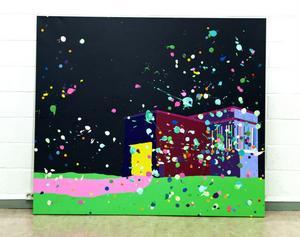 Färgfabriken, skiljer sig från övriga verk både i kolorit och motiv. De flesta verk som visas i Rättvik är ljusare och ofta abstrakta.