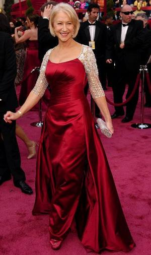 Helen Mirren har haft stora fram-gångar på såväl teaterscenen som på film. Förra året Oscarvinnare för bästa kvinnliga huvudroll i The Queen.