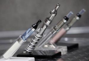 Resultatet på rösttavlan överraskade. De nya batteridrivna e-cigaretterna går hem hos unga.