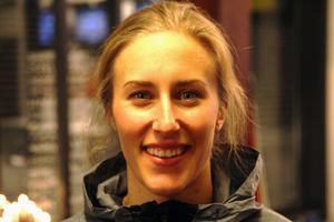 Åretjejen Kajsa Kling åkte ur i sitt första åk i damernas storslalom. Det var hennes enda chans till världscuppoäng.