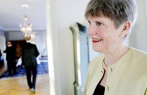 """Gunilla Johansson, pensionerad psykoterapeut från Östersund, säger att hon blev lite förskräckt av landshövdingens ord under kvällen.""""Britt sa att det inte är säkert att Jämtland kommer att vara ett län i framtiden, och det vore synd tycker jag. Jag tror på Jämtland."""""""