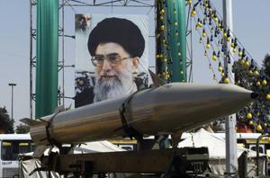 Irans farliga kärnvapenskrammel är ett högt spel med säkerhetsläget i världen.   Foto: HASAN SARBAKHSHIAN/AP/Scanpix