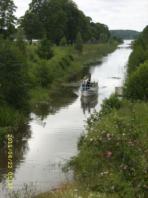 Ångbåten Freden inviger Strömsholms kanal i början av sommaren.
