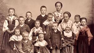 Bild från Leksands barnhem strax efter nyår 1898.