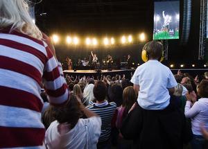 Publikfest. 4300 hade kommit till Samilsdalsgropen i Leksand för att se Gessle.