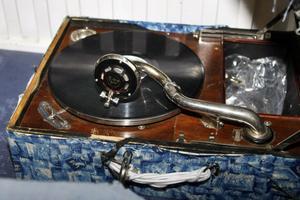 En väl använd grammofon från Jan Johanssons barndomshem är ett av föremålen som skulle visas på Jan Johanssonmuseet i Klaverens hus.