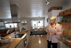 Att bo i ett gammalt hönshus är opraktiskt, men mysigt, enligt Anne Gunnarsson.