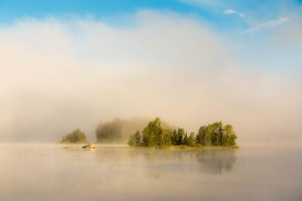 Vart tvungen att stanna till på vägen till jobbet för att fota, då jag såg säsongens första sjö med vattenrök en tidig morgon.