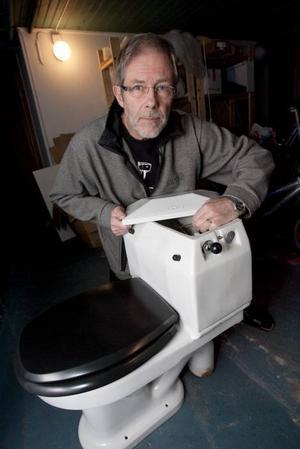 En praktpjäs, där man ser hur grejerna fungerar. Så är det inte med nytillverkade stolar.
