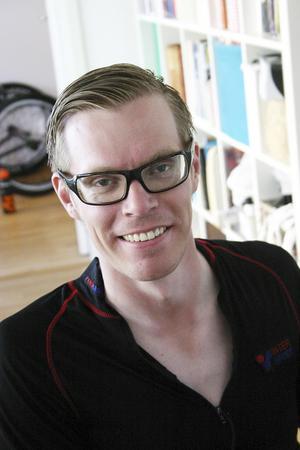 Tidigare nynäshamnaren Anders Bäckman började med sin sport för tre år sedan och är redan aktuell för Paralympics.