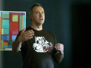 Leif Edh är både politiker i Ånge och ordförande i Företagarna Västra Medelpad, vilket gör att enkätsvaren i Svenskt Näringslivs undersökning sätter honom i en