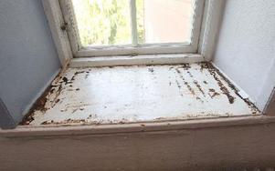 Fönster, dörrar, väggar behöver fräschas upp. Foto: Curt Kvicker