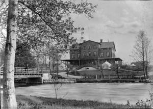 Från centrum hade besökarna lätt att ta sig till Strömdalen via den här bron. Den byggdes 1888 och står fortfarande kvar, om än om- och tillbyggd på senare tid.