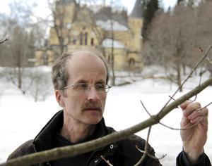 Stefan Grundström, ordförande för Sveriges botaniska förening, bor i Härnösand och står bakom förslaget om att förvandla Mjällådalen till nationalpark.