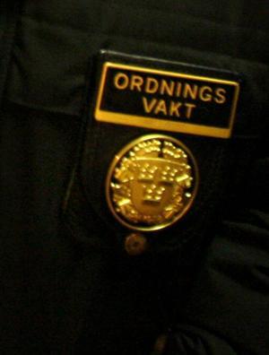 En ordningsvakt i Sundsvall fick motta knytnävsslag i ansiktet.