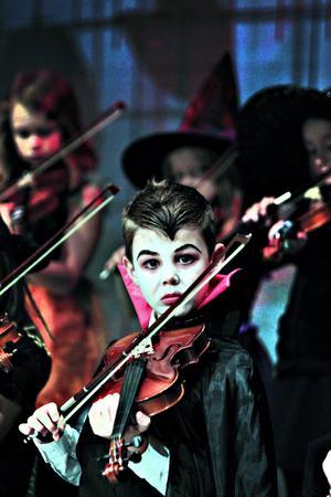 Anton Rapp, åtta år, var Dracula i går, men hade först tänkt vara en demetor (en varelse i Harry Potter-böckerna).