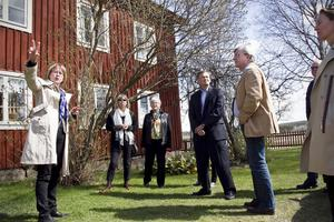 Ingela Broström guidade Unesco:s representanter på Gästgivars i Vallsta.