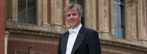 Föreningens musikalise ledare är dirigenten Rickard Cooke.