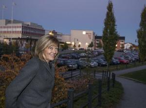 I oktober tar Lill Lindfors emot Nicke Sjödin stipendium i Sollefteå.