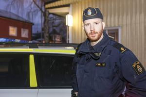 Christer Florin rekommenderar att gå med i polisens Grannsamverkan, där grannar hjälps åt och får brev och sms från polisen om vad som händer i respektive område.