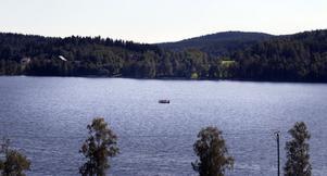 Flottar i Kittesjön används både till fisketurer och till surströmmingsfester på sjön.