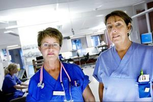 Sjuksköterskorna Inger Jonsson (C) och Lise Hjemgaard-Svensson (M) är också landstingspolitiker. I bland har de riktigt tufft på jobbet efter att ha fattat beslut som påverkar arbetskamraterna.