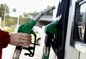 En indikation på att klimatskepsisen i Sverigedemokraterna är mer utbredd än så är det förslag man har om en skattesänkning på bensin, skriver Gunnar Kjelldahl.
